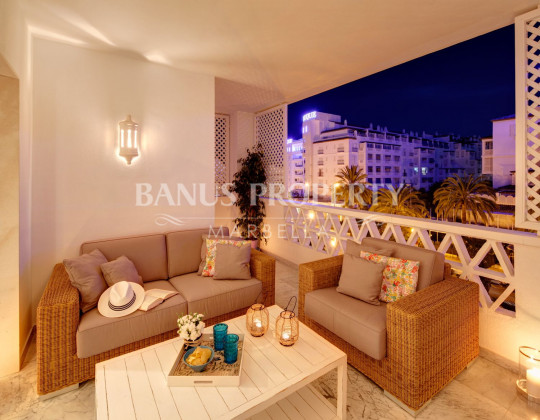 Marbella - Puerto Banus, Apartment close the beach and the marina for sale in Las Gaviotas Puerto Banus