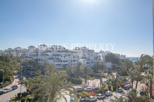Marbella - Puerto Banus, 2 bed east facing apartment for rent in Medina Garden, Puerto Banús.