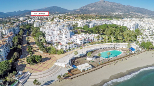 Marbella - Puerto Banus, Luxury renovated three-bedroom first floor south facing apartment for sale in Las Gaviotas, Puerto Banús