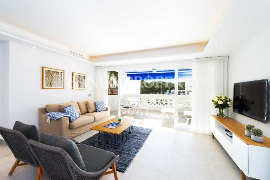 Marbella - Puerto Banus, Modern 2 bedroom apartment, with sea views, in the first-line of beach complex Playas del Duque - Puerto Banús
