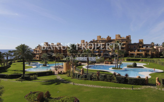 Estepona, Modern three-bedroom beachfront apartment for rent in Los Granados del Mar.
