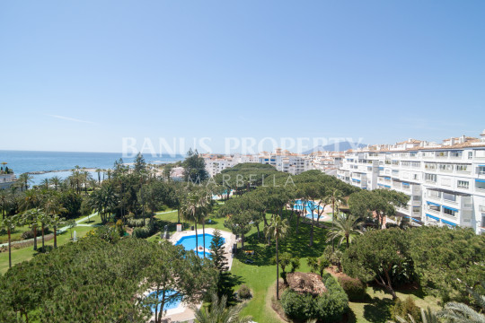 Marbella - Puerto Banus, Three-bedroom third floor apartment for sale in Edificio Malaga, Puerto Banús