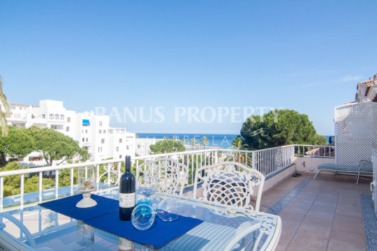 Marbella - Puerto Banus, Two-bedroom penthouse with sea views for rent in Andalucía del Mar, Puerto Banús