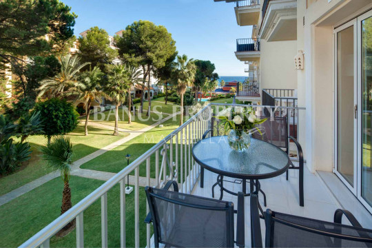 Marbella - Puerto Banus, Contemporary 1 bedroom south-east facing apartment for rent in Andalucia del Mar, Puerto Banus