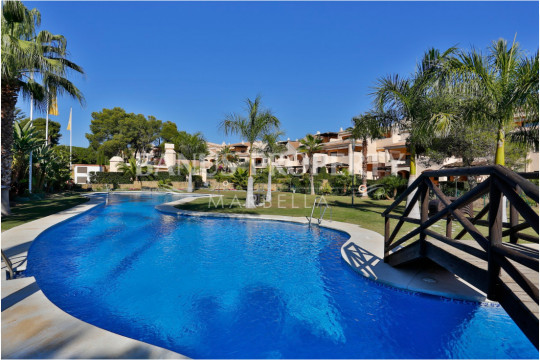Marbella - Puerto Banus, Charming two-bedroom apartment on the second beach line- west facing for sale in Las Mimosas, Puerto Banus