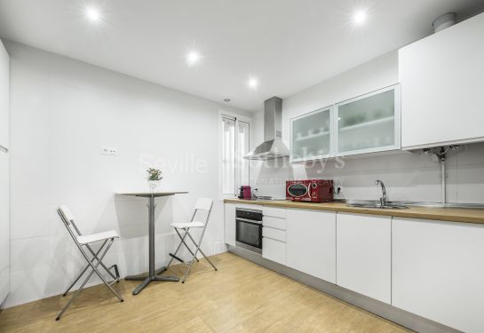 Flat for rent recently remodelled, furnished, with four bedrooms and two bathrooms.