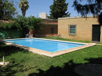 Estate for sale in Alcala de Guadaira