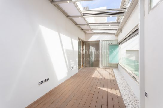 Sale or Rent with Option to Buy Penthouse, on one floor in Museo area