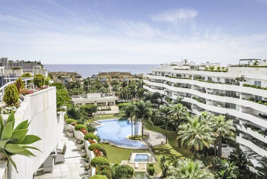 For sale penthouse in El Embrujo Banús with 4 bedrooms