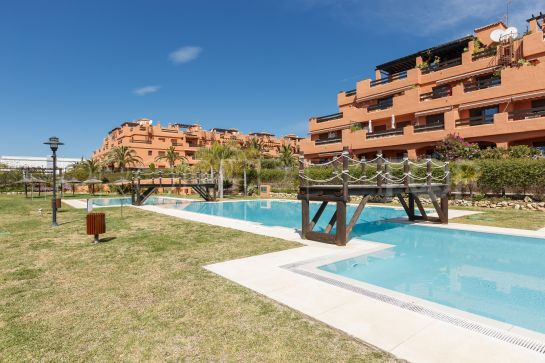 Apartment for sale in Estepona Centro with 2 bedrooms