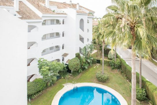 3 bedrooms duplex penthouse in Guadalmina Baja for sale