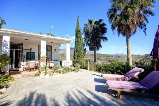 For sale Estepona Golf villa