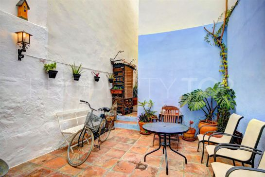 5 bedrooms Estepona Centro town house