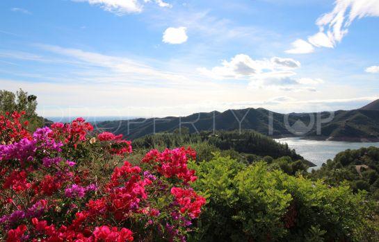 Istan, Cerros del Lago