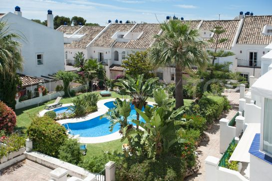 For sale 3 bedrooms town house in Arco Iris, Marbella Golden Mile