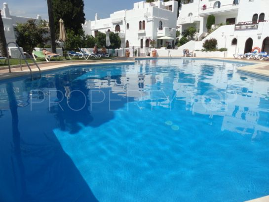 Nueva Andalucia 2 bedrooms ground floor apartment for sale