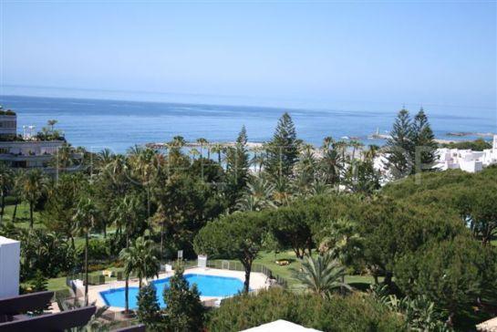 For sale Playas del Duque penthouse