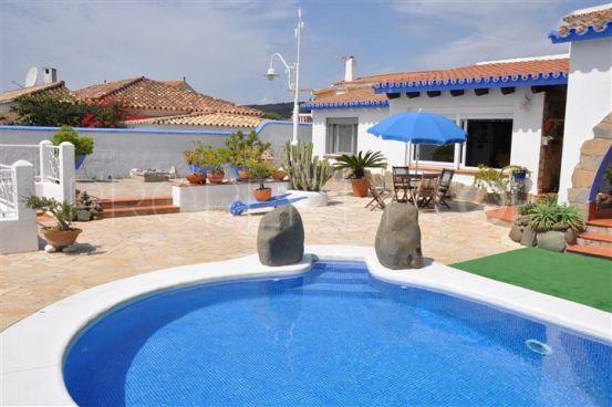 Buy villa in Chullera with 3 bedrooms   Hamilton Homes Spain