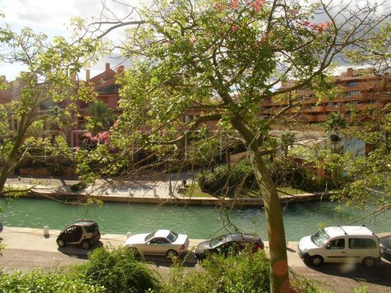 For sale apartment with 2 bedrooms in Sotogrande Puerto Deportivo | John Medina Real Estate