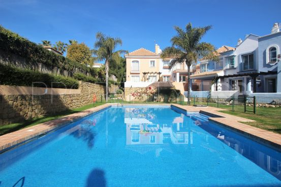 2 bedrooms town house in Aloha Lake Village for sale   DM Properties