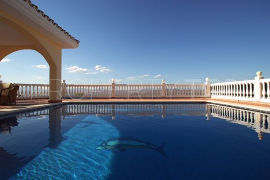 Villa for sale in Alhaurin el Grande | Loraine de Zara