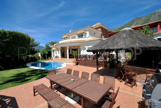 For sale Cerros del Lago villa with 4 bedrooms | Value Added Property