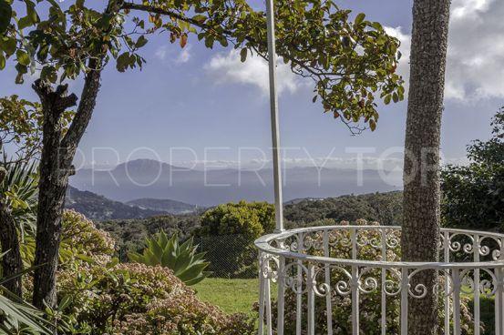Villa for sale in El Cuartón with 8 bedrooms | Engel Völkers Sotogrande