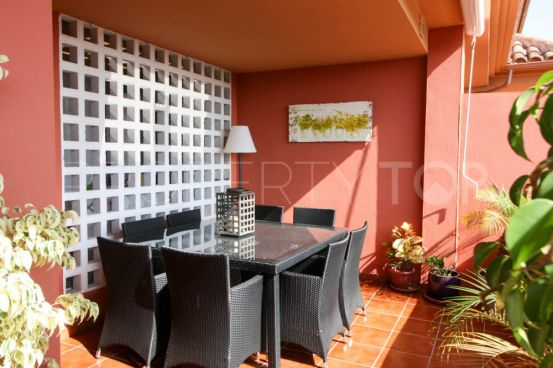 For sale apartment in Pueblo Nuevo de Guadiaro with 3 bedrooms | Sotogrande Home