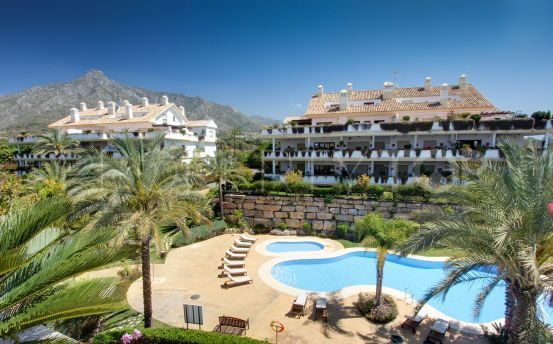 Apartment with 3 bedrooms for sale in Lomas del Rey, Marbella Golden Mile   Key Real Estate