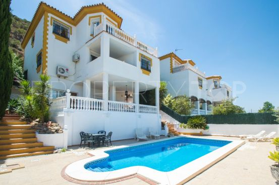Villa in Coin with 8 bedrooms | Your Property in Spain