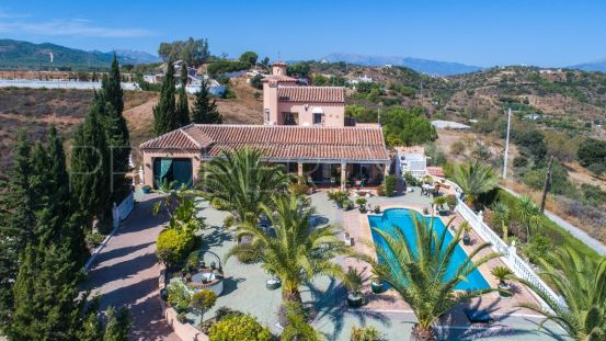 Finca for sale in Alhaurin el Grande with 3 bedrooms | Your Property in Spain