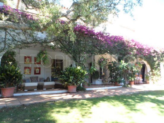 Sotogrande Costa villa with 6 bedrooms | SotoEstates