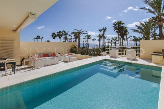Apartment for sale in Apartamentos Playa with 3 bedrooms | Consuelo Silva Real Estate