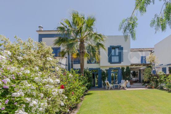For sale Ribera del Emperador 3 bedrooms town house | Consuelo Silva Real Estate