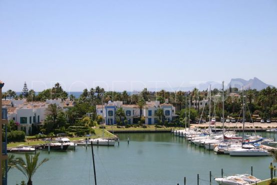 For sale penthouse with 3 bedrooms in Ribera de la Romana, Sotogrande | Holmes Property Sales