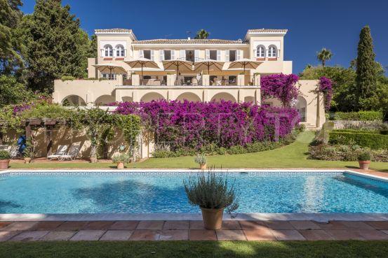 Reyes y Reinas villa for sale | Holmes Property Sales