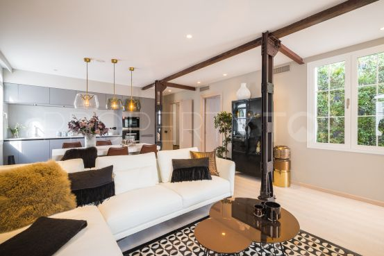 For sale penthouse with 3 bedrooms in Malaga | Solvilla