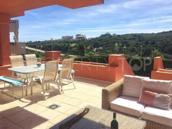 For sale ground floor apartment in Doña Julia with 4 bedrooms | Villa Noble