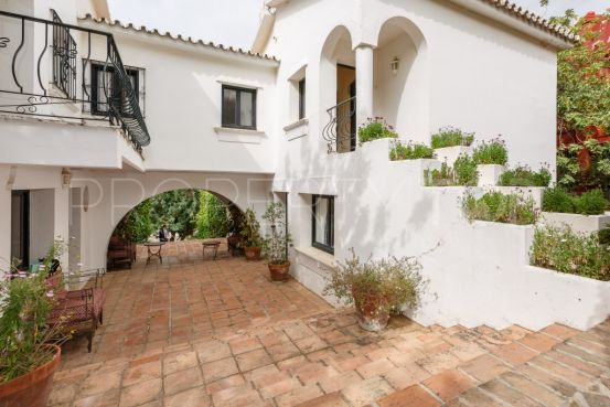 For sale Istan villa with 8 bedrooms | Gilmar Marbella Golden Mile
