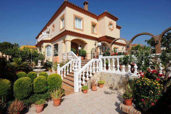For sale semi detached villa in Santa Margarita with 4 bedrooms | Crownleaf Estates