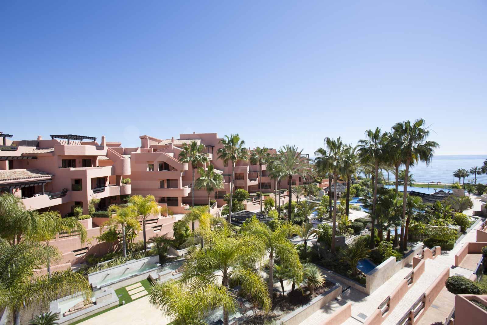 2 bedroom ground floor garden apartment for sale in Mar Azul, Estepona