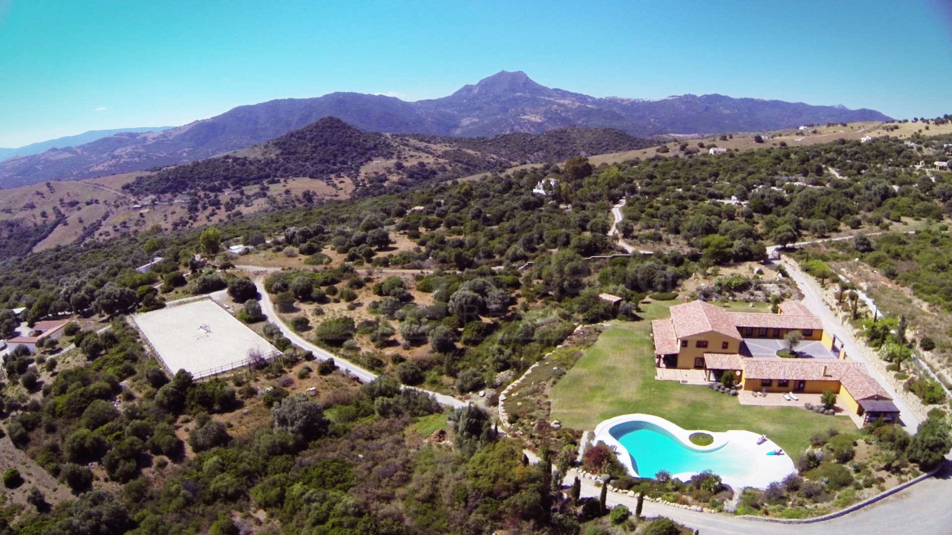 Magnificent 9-bedroom country estate with equestrian facilities for sale in Casares