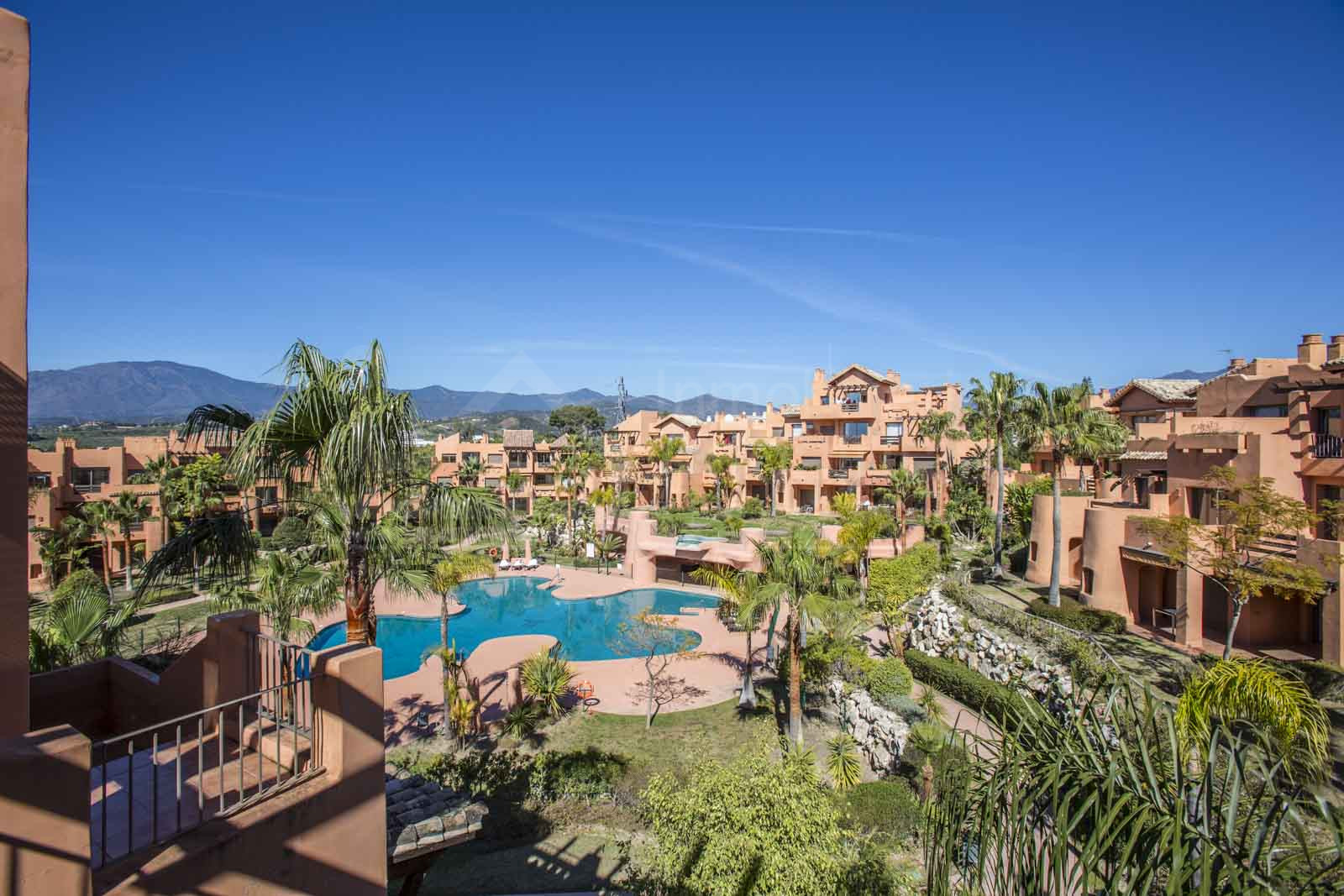 3 bedroom luxury apartment for sale in Sotoserena, Estepona