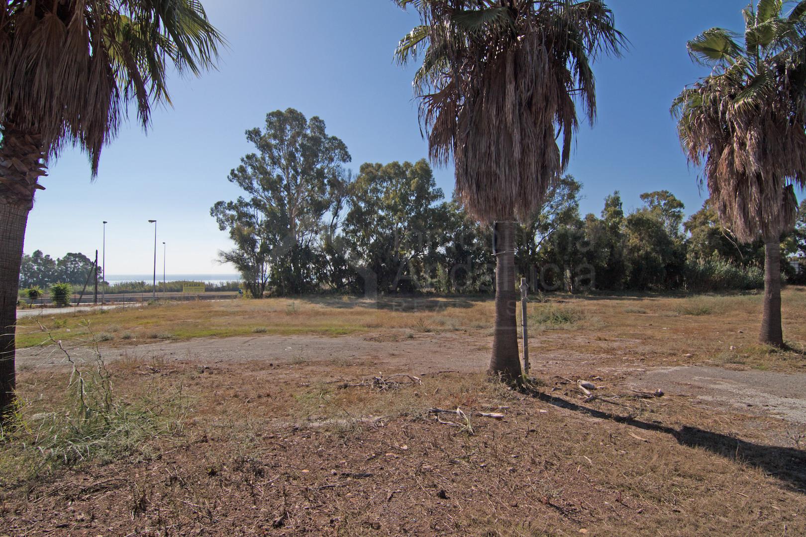 10.180m2 development plot for petrol station and commercial premises for sale Estepona