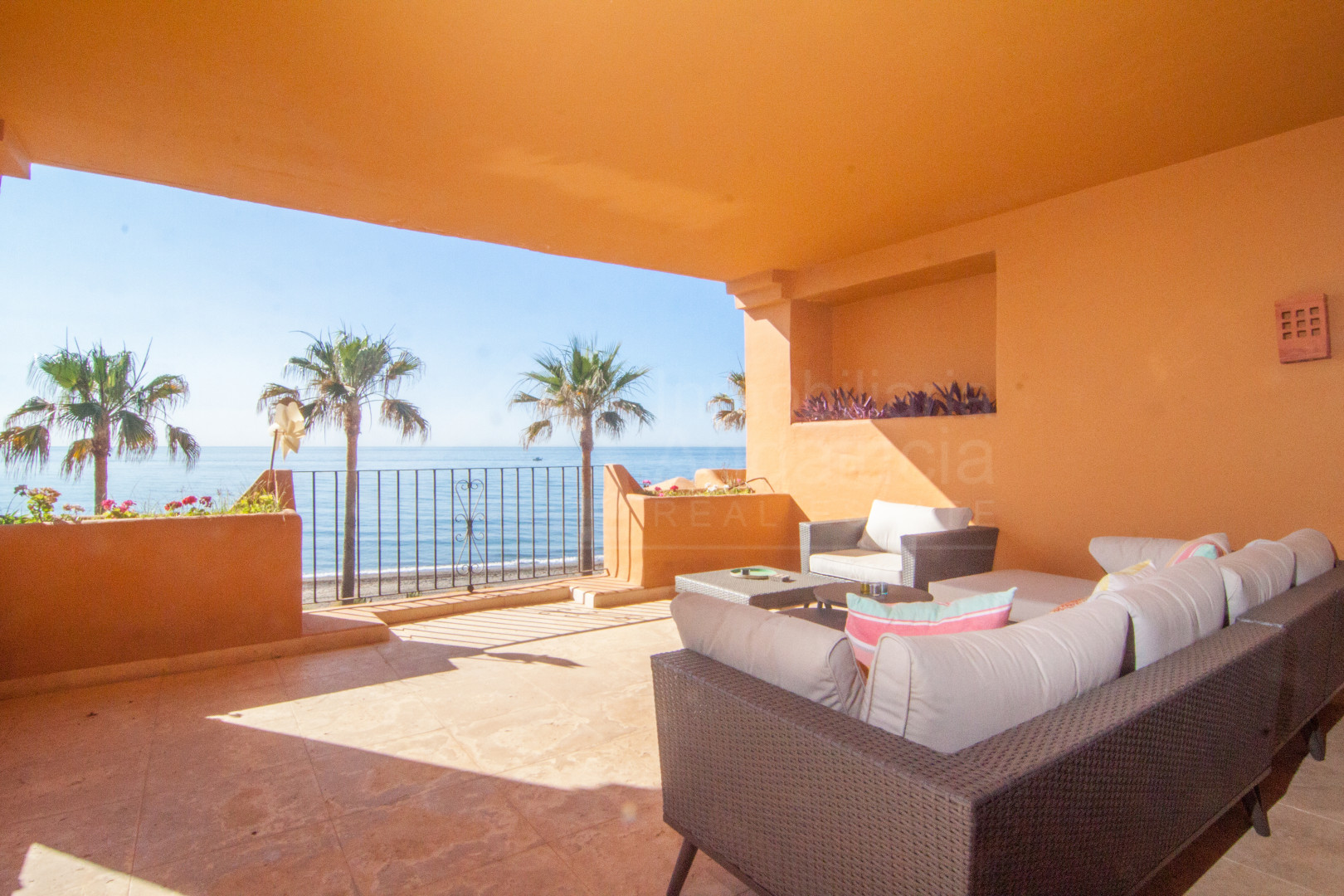 Quality 3 bedroom 1st floor apartment for sale in Los Granados del Mar, Estepona