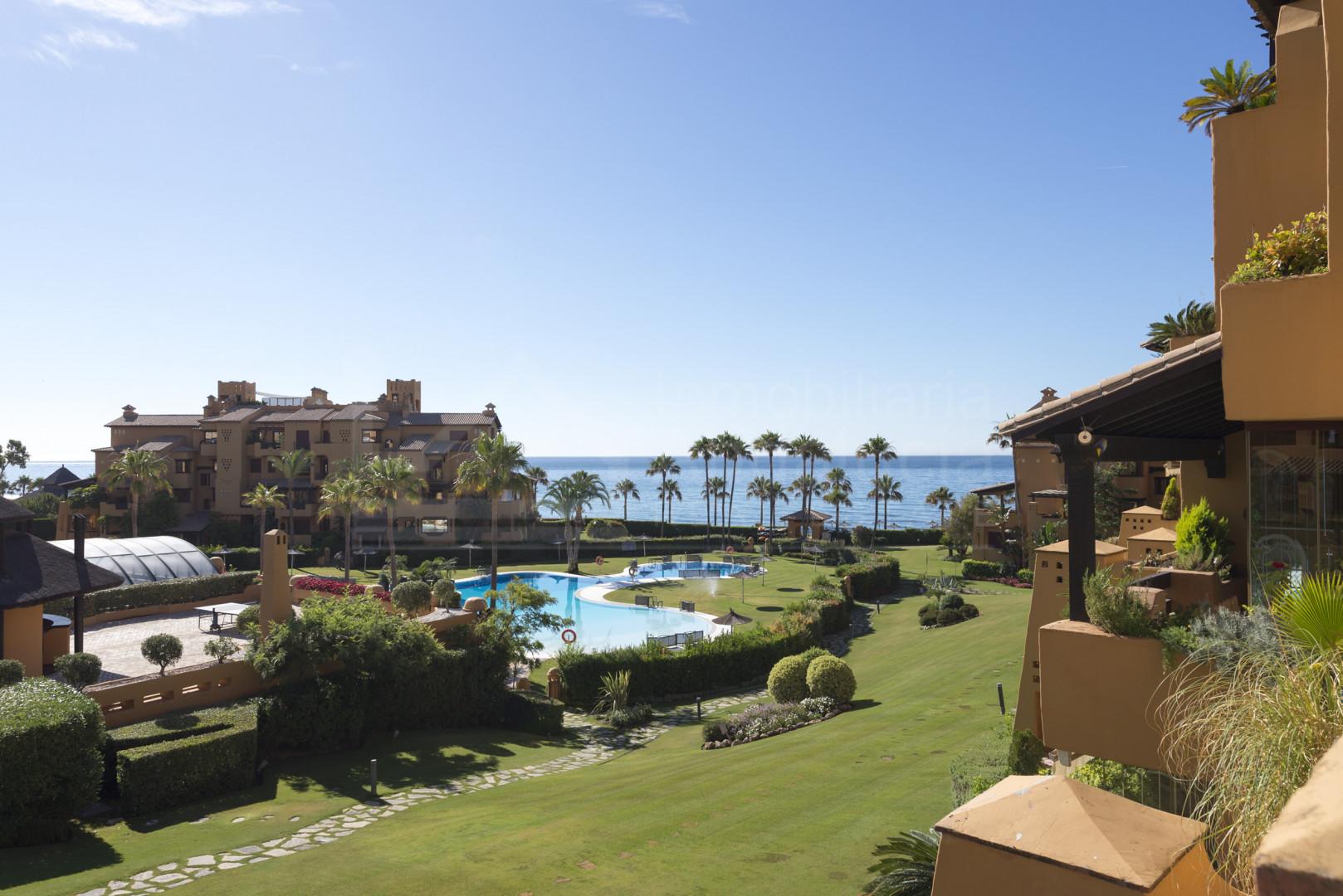 Luxurious first line beach apartment for sale in Los Granados del Mar, Estepona