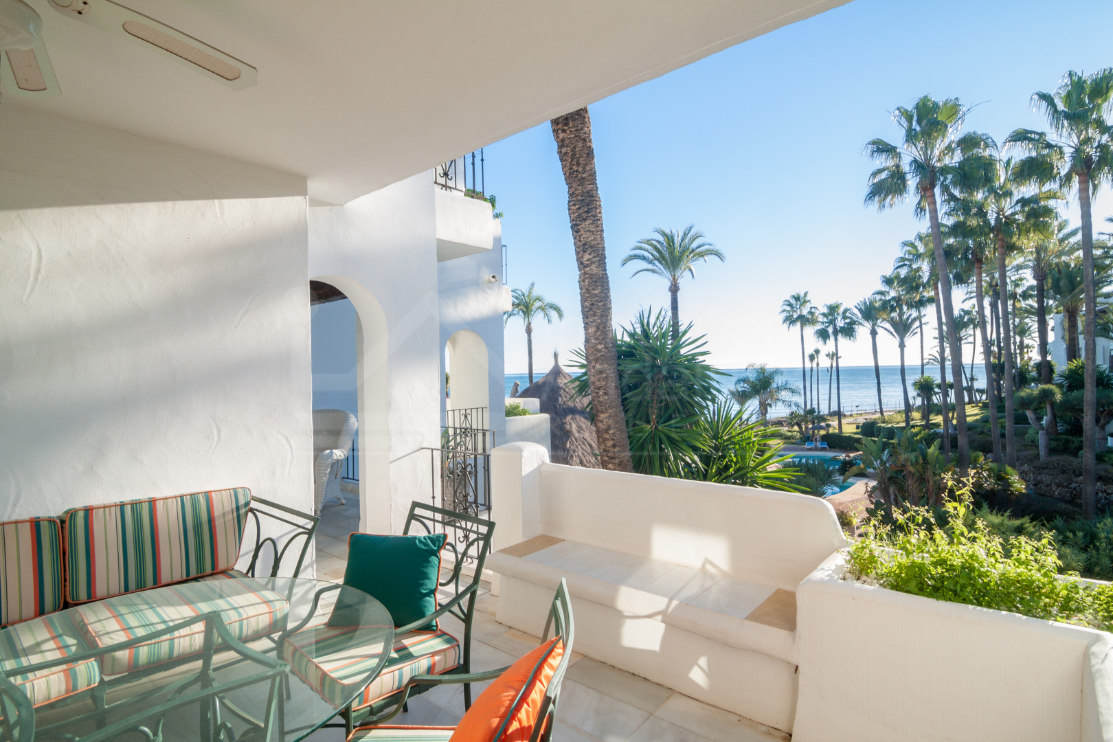 Two-bedroom, first floor frontline beach apartment with amazing views to the sea for sale in Alcazaba Beach, Estepona