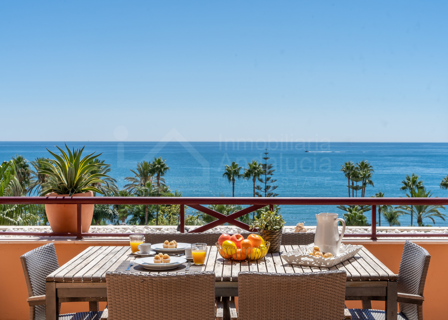 Enjoy the sea breeze from this exceptional frontline beach penthouse in Riviera Andaluza- Estepona