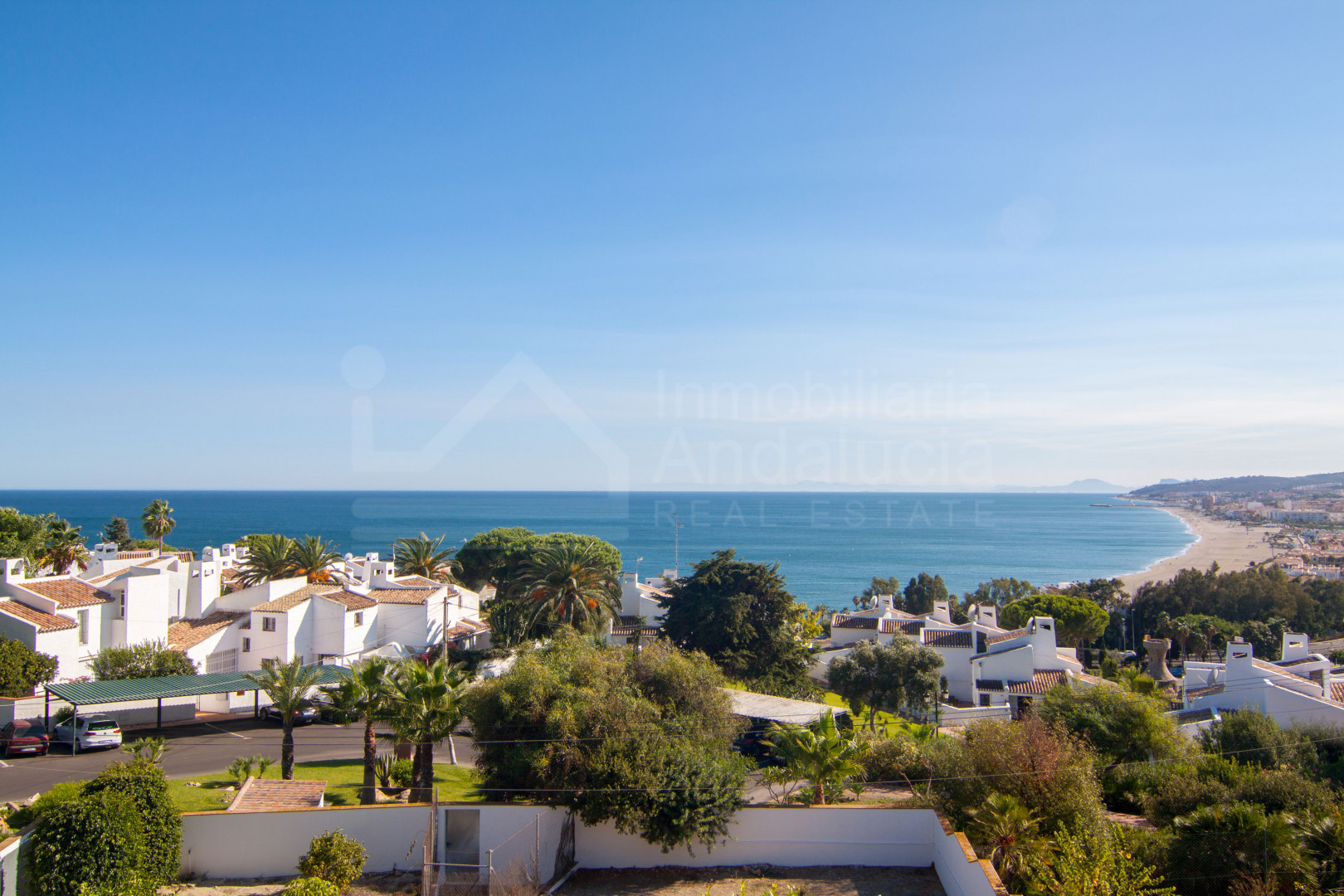 Four bedroom south-facing villa with unbroken sea views for sale in Bahia de Casares