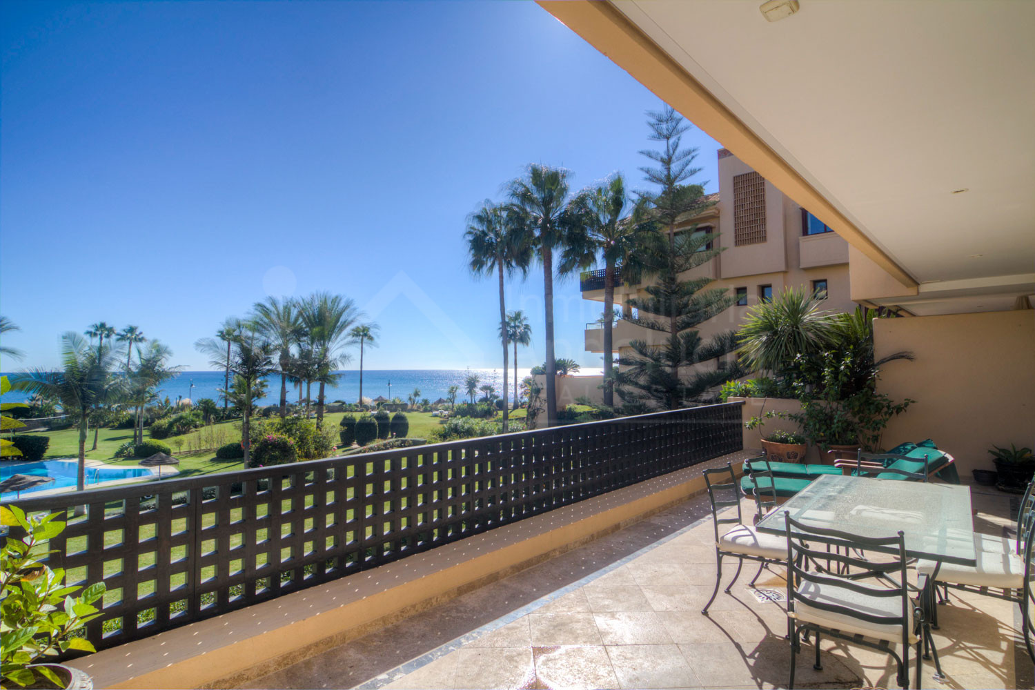 Three-bedroom first floor south facing apartment with panoramic sea views for sale in Costalita del Mar, Estepona